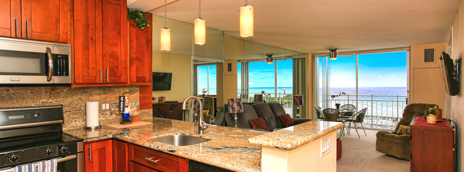Ilikai Marina Hawaiian style kitchen and dining room